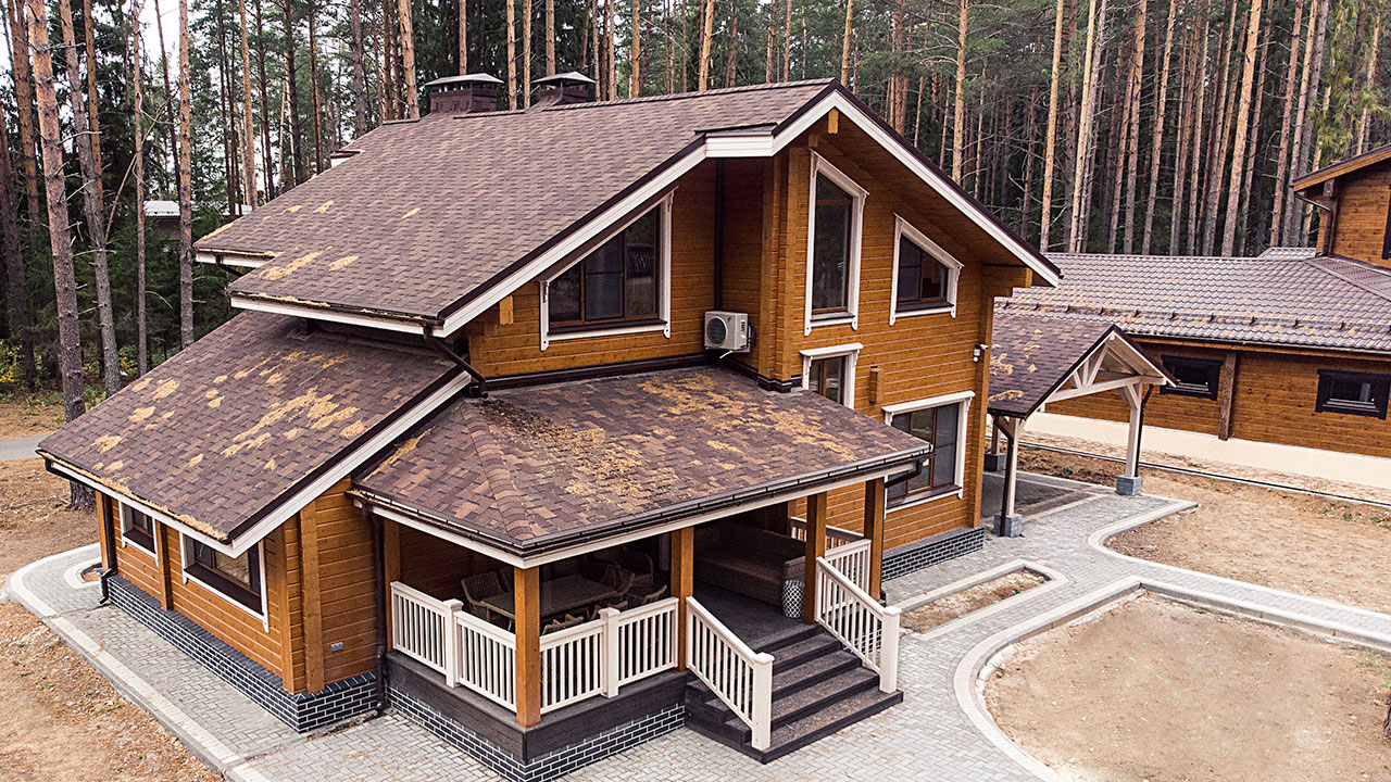 "House made of glued laminated timber. ""Sosnovyi Bereg"" design."